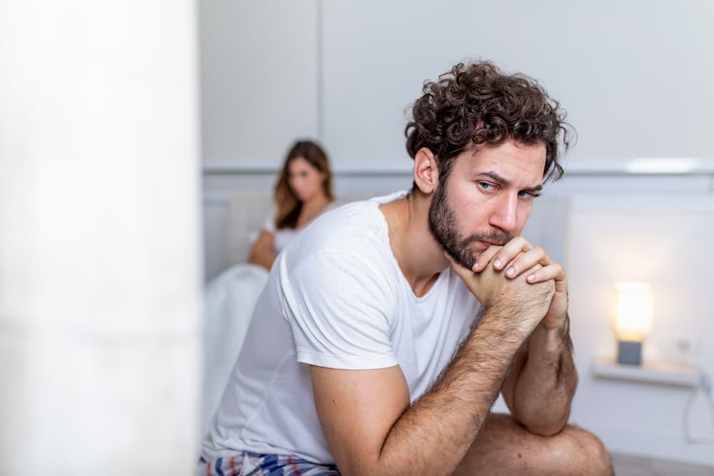 homem triste relação problemas